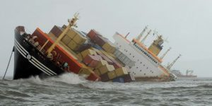 Collision of Two Containers Ships