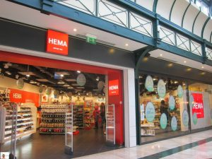 """Alibaba plans to develop close links with traditional bricks-and-mortar retailers, notably the """"Hema supermarket chain"""","""